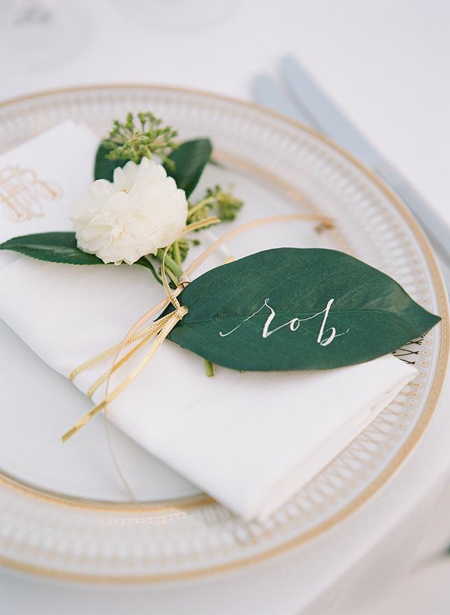 15timeless-vintage-estate-wedding.jpg