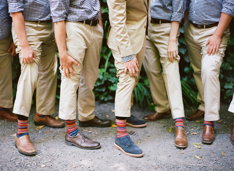 11-groomsmen-colorfu-socks.jpg