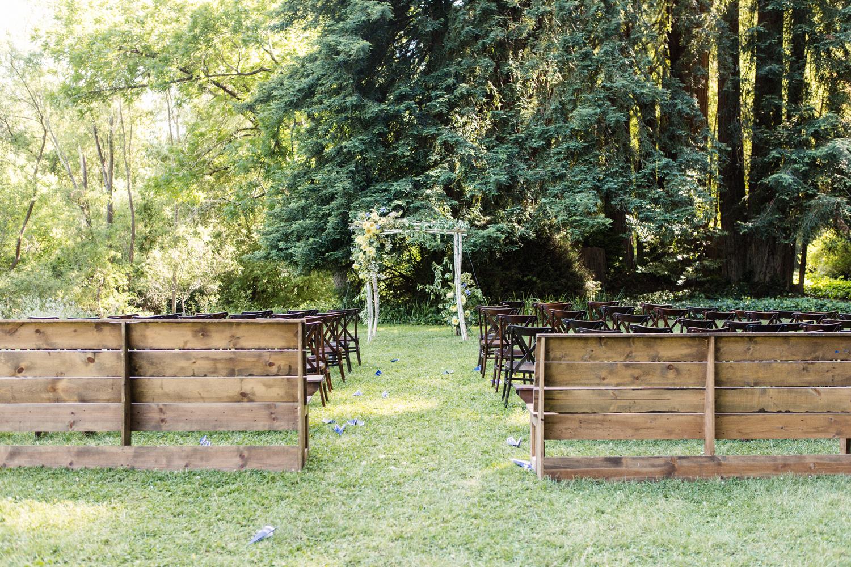 16-church-pew-wedding-ceremony.jpg