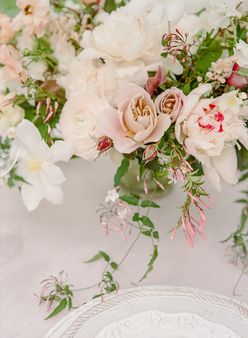 8-romantic-floral-centerpiece.jpg