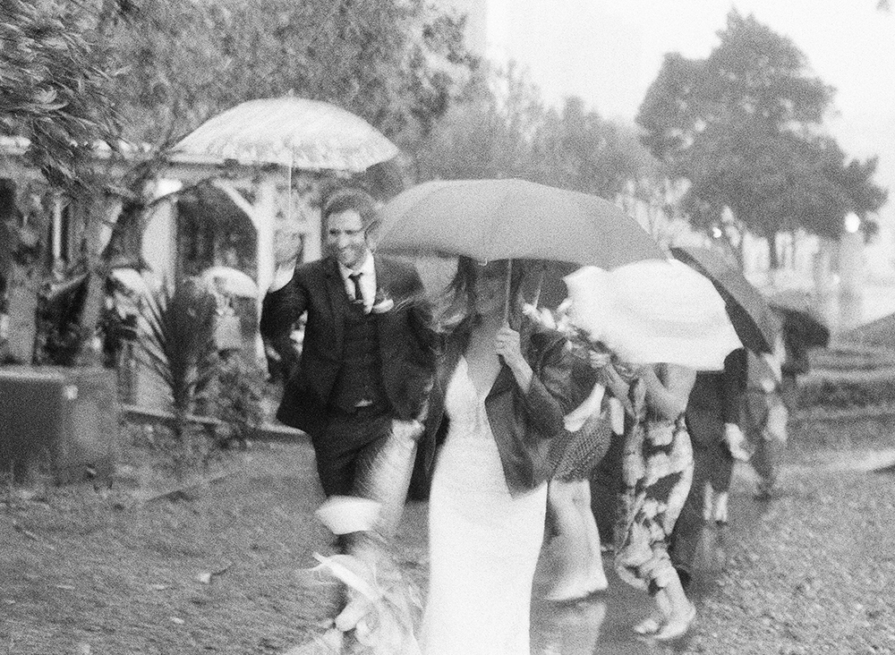 amazing-rainy-wedding-umbrella.jpg