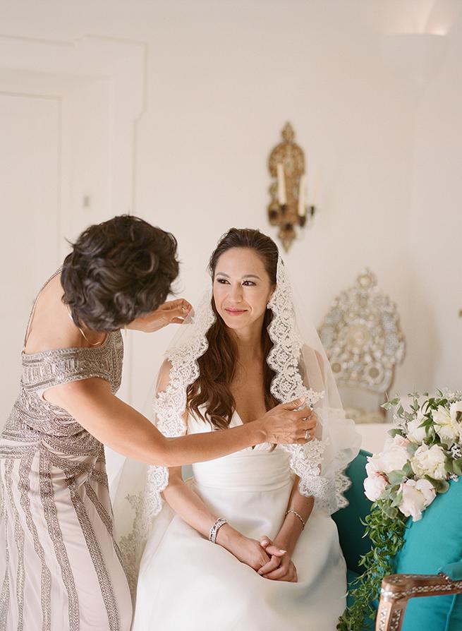 13-bride-mom-mantilla-veil.jpg