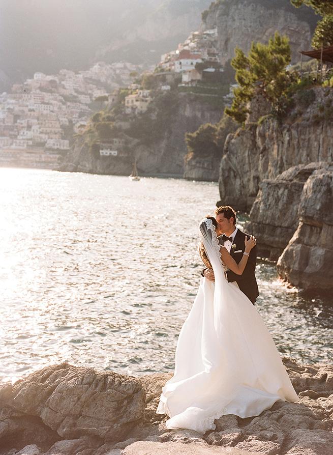 25-positano-wedding-bride-groom-sea.jpg