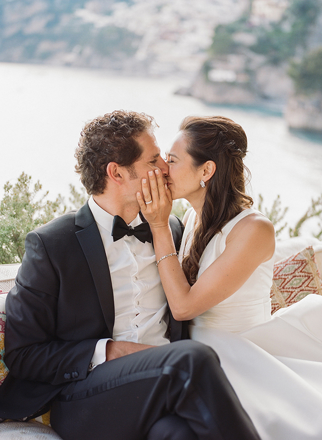 28-bride-groom-kiss-positano.jpg