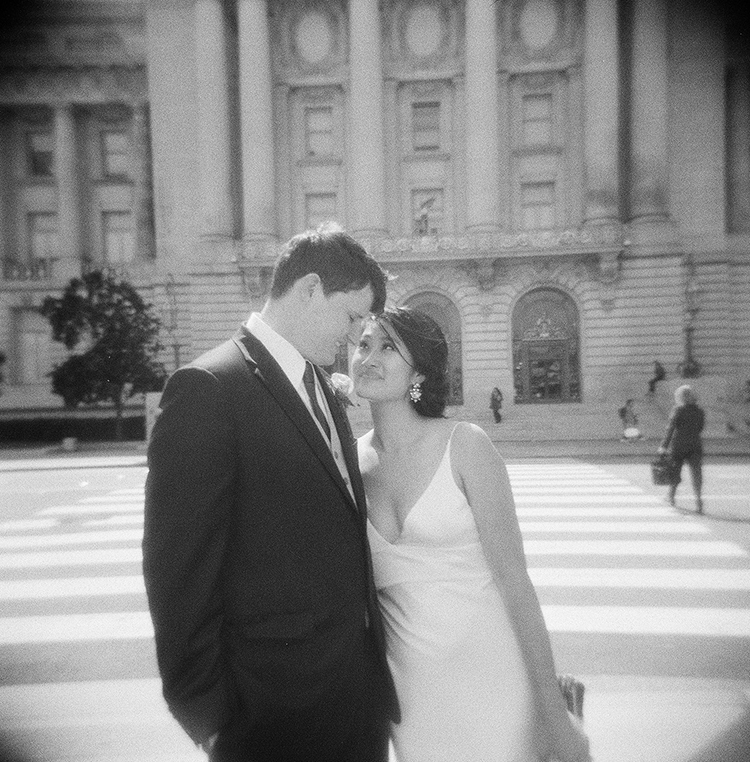 49-holga-wedding-sf-city-hall.jpg