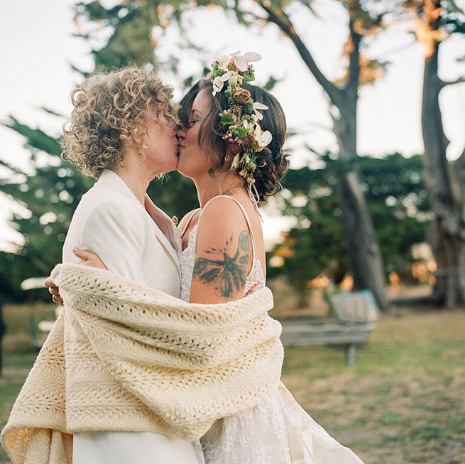 36-lesbian-brides-kiss-hasselblad.jpg