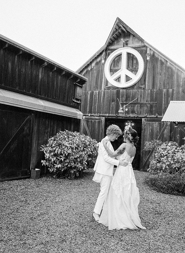 53-peace-barn-wedding.jpg