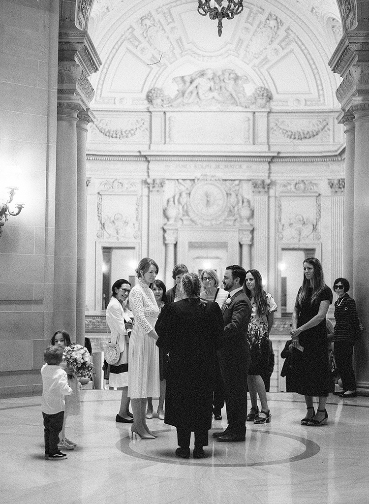 san-francisco-city-hall-wedding-photographer-003.jpg