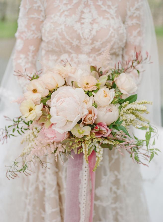 2-loop-flowers-bouquet-beaulieu.jpg