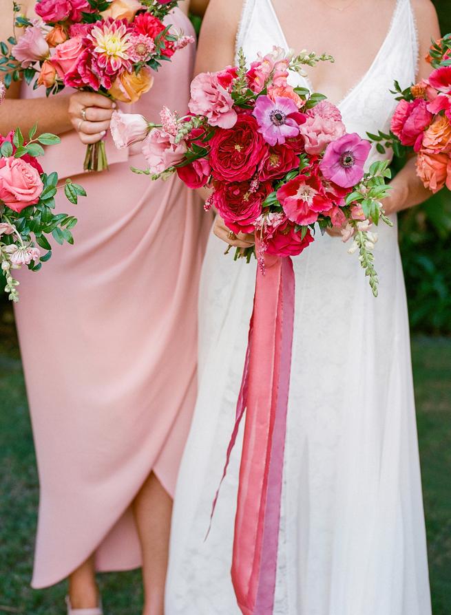 6-bold-tropical-bouquet-pink.jpg