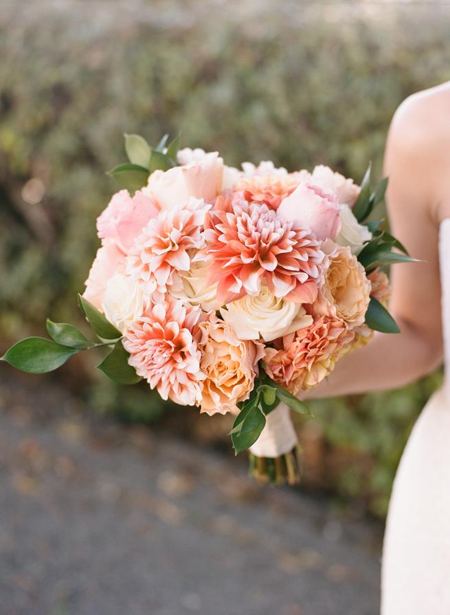 9-peach-dahlia-bouquet.jpg
