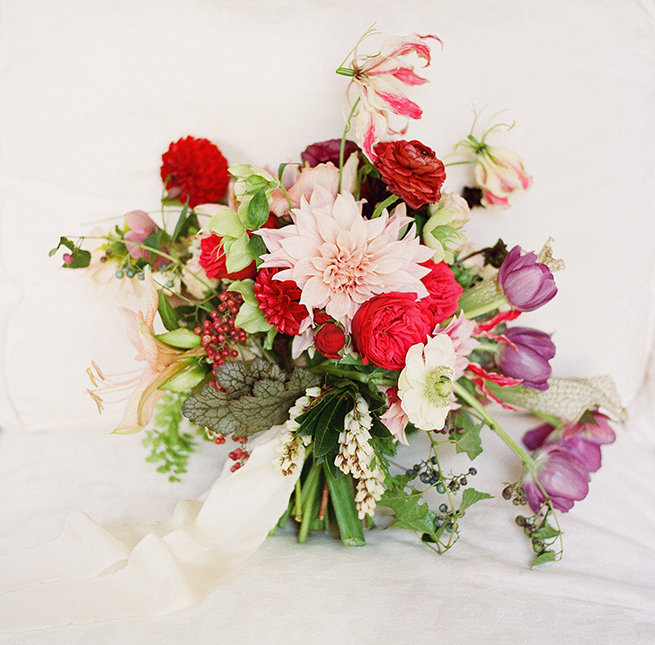 15-bold-red-bouquet.jpg