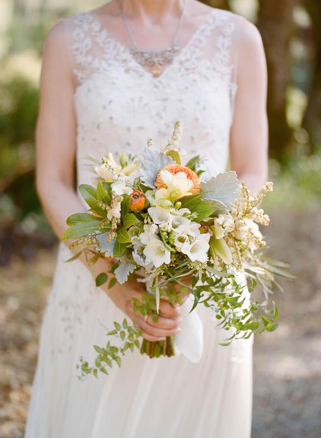 16-green-white-orange-bouquet.jpg