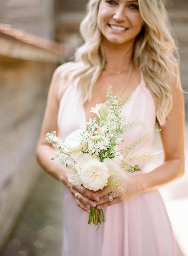 21-bridesmaid-posy.jpg