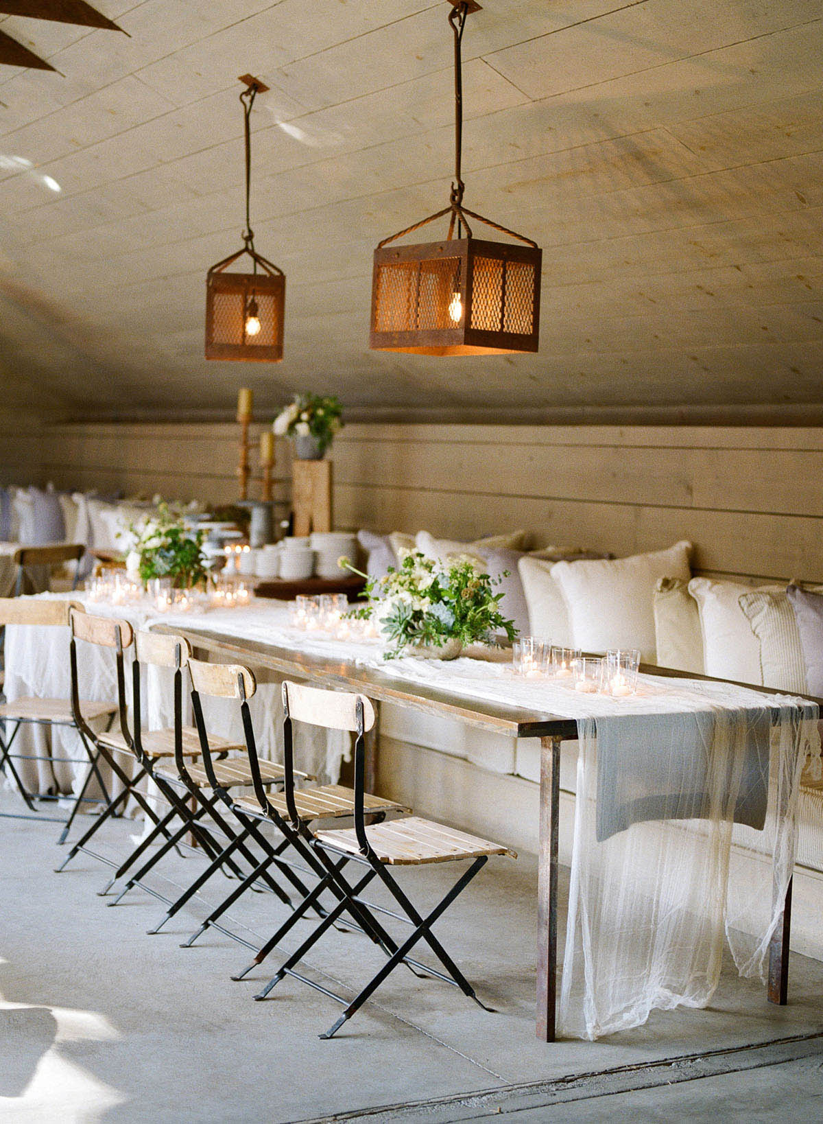 5-rustic-cheesecloth-tablescape.jpg