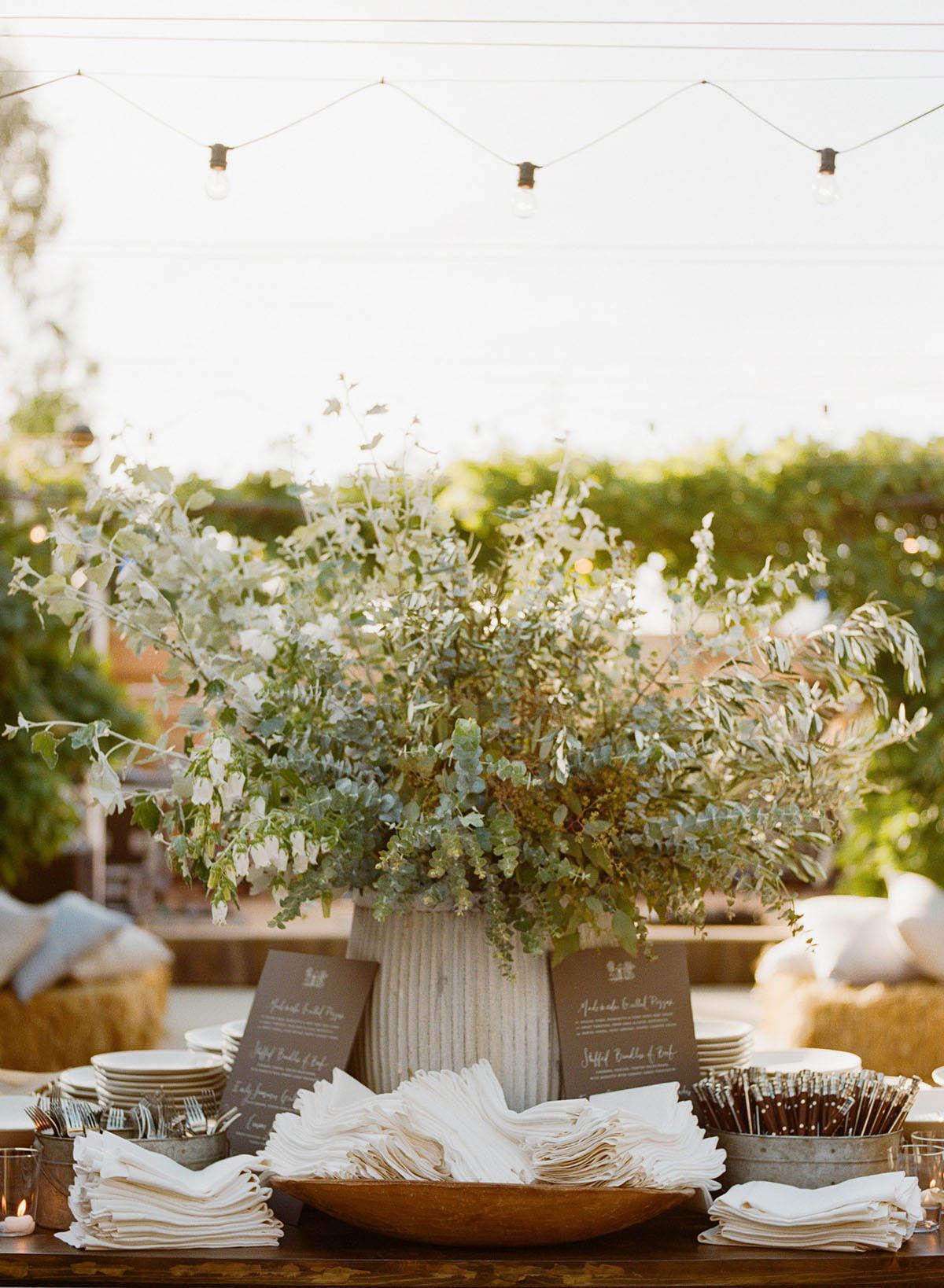 14-elegant-buffet-dinner-wedding.jpg