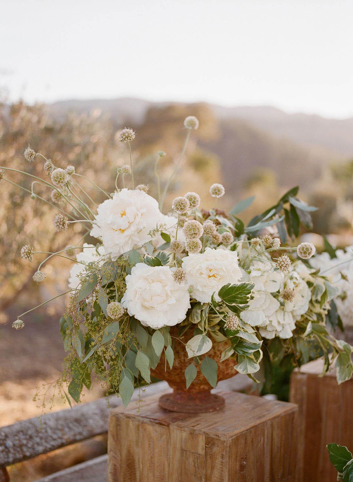 19-floral-centerpiece-wedding.jpg