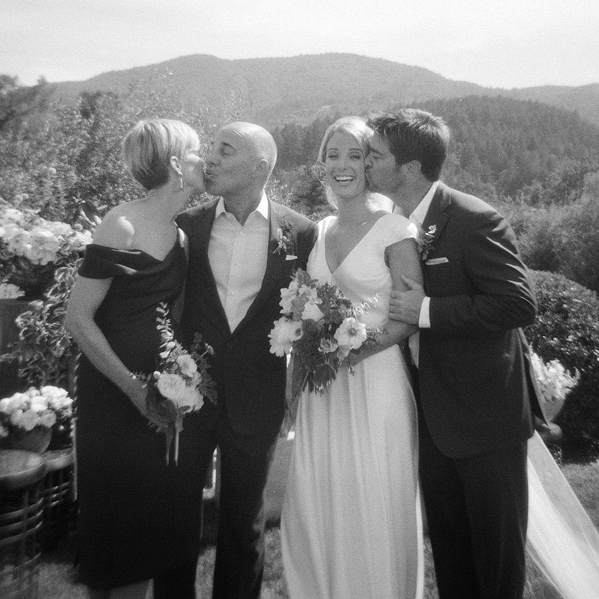 20-family-photo-christina-mcneill-kiss.jpg