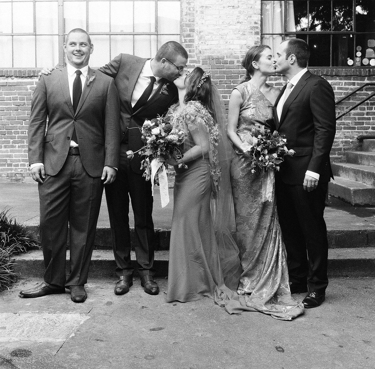 27-awkward-bridal-party-moment.jpg