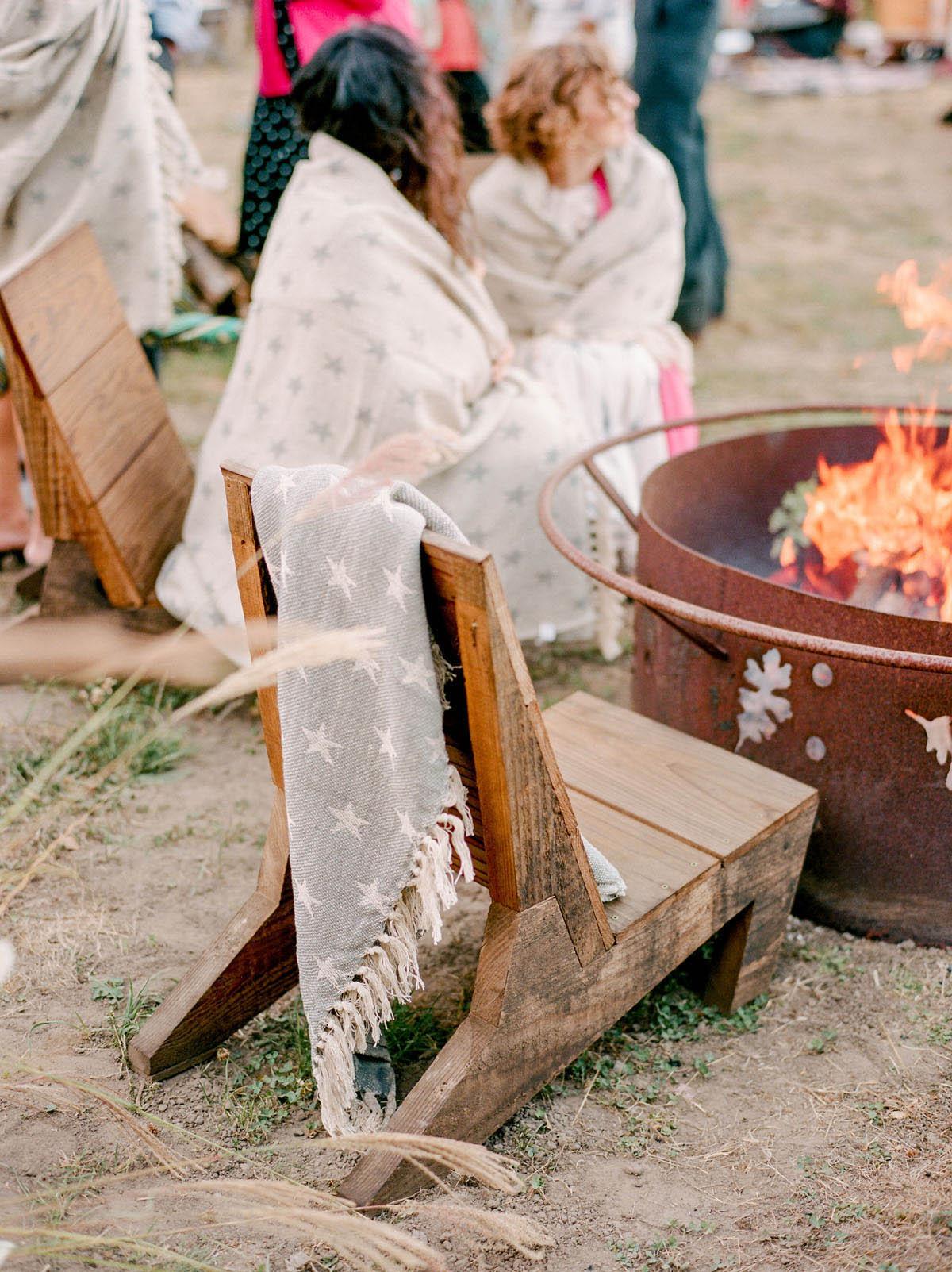 19-cozy-wedding-details-bonfire.jpg