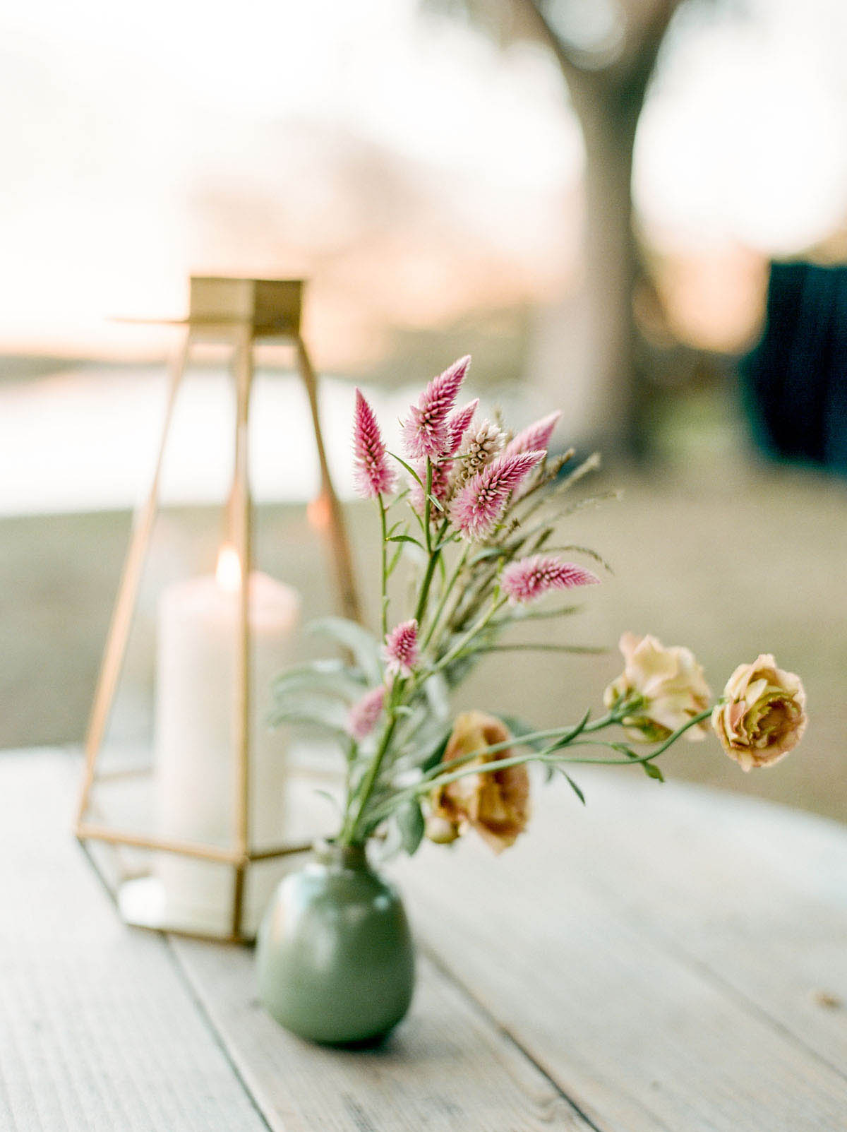 32-eothen-floral-centerpiece.jpg