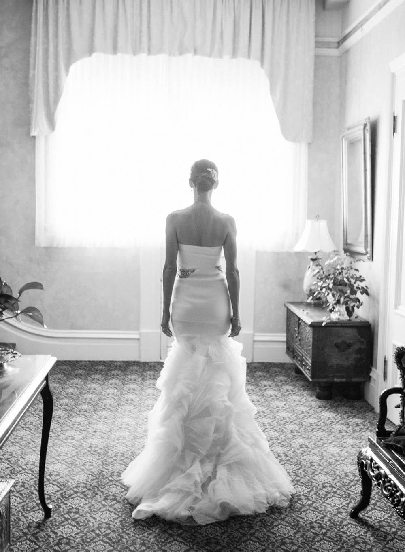 3-dramatic-vera-wang-gown.jpg