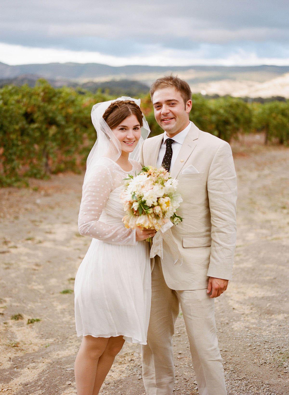 27-bride-groom-portrait-vineyards.jpg