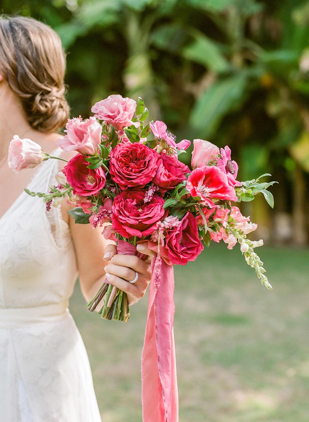 16-tropical-pink-bouquet.jpg