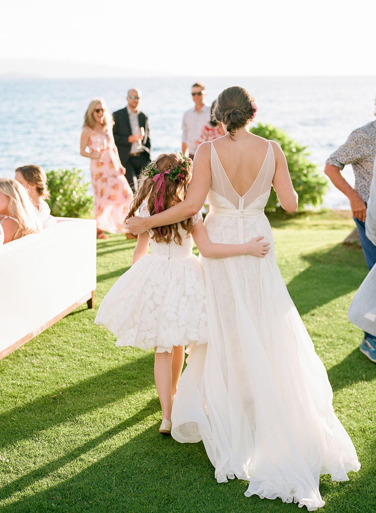 31-bride-maui-wedding-turtle-ppinte.jpg