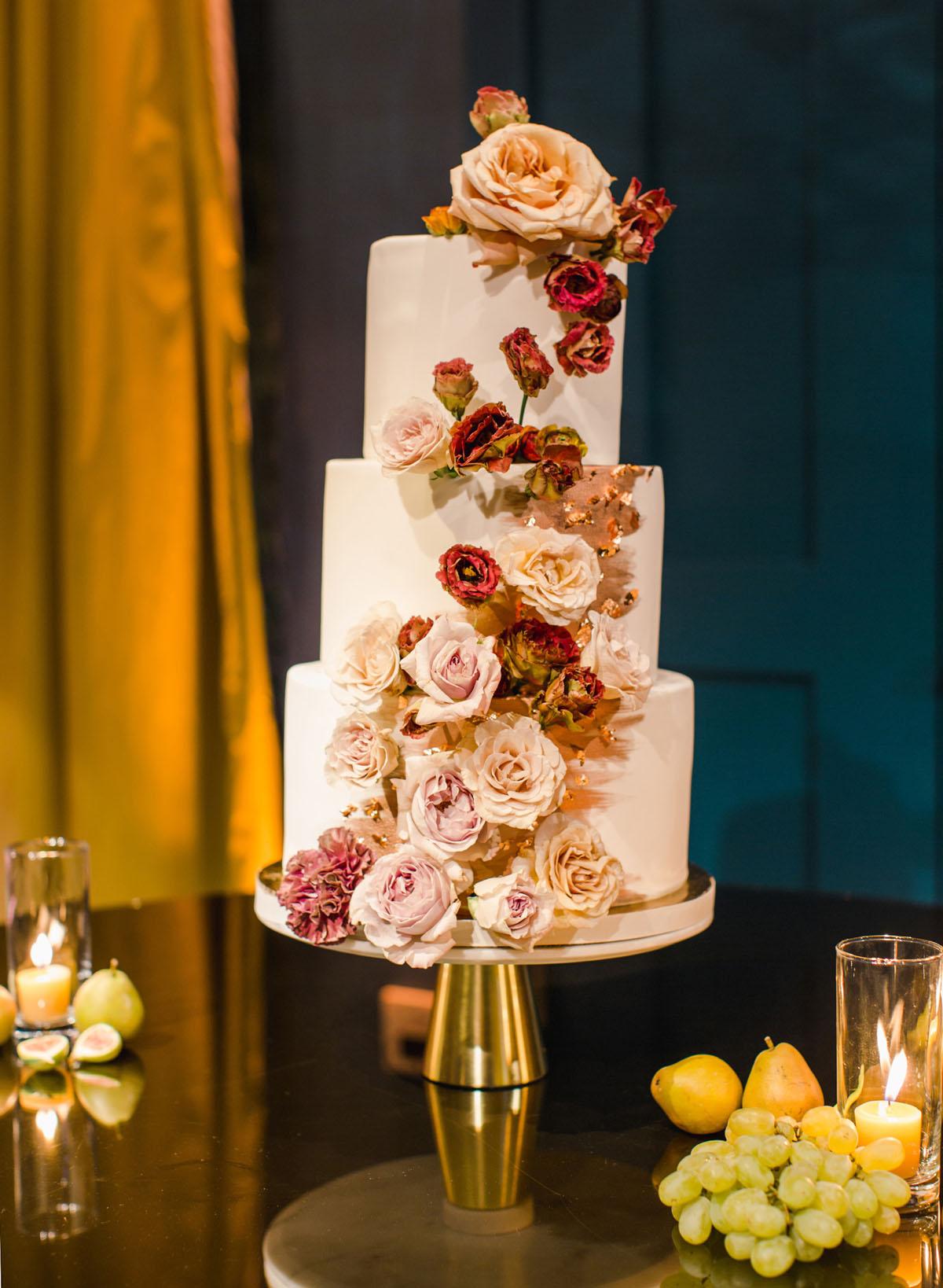 59-pretty-please-cake-shop-cake.jpg