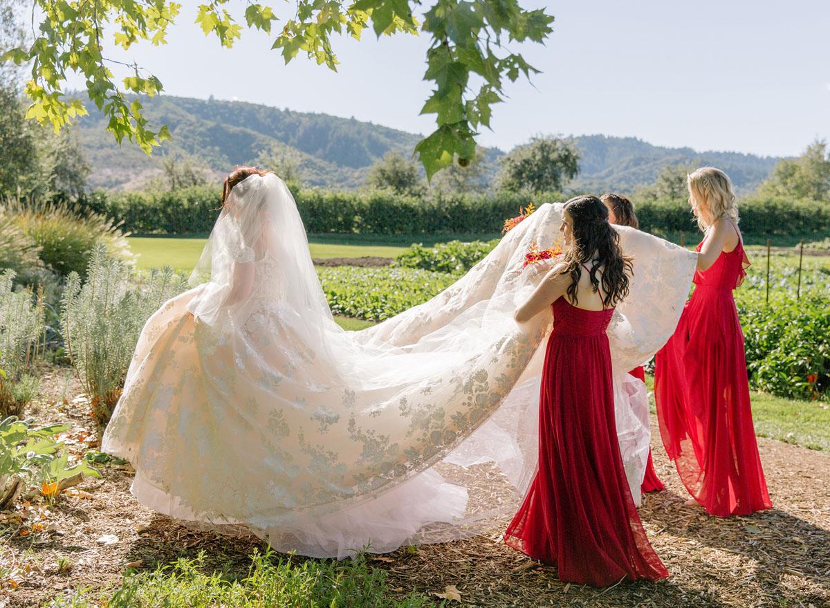11-attending-bridesmaids.jpg