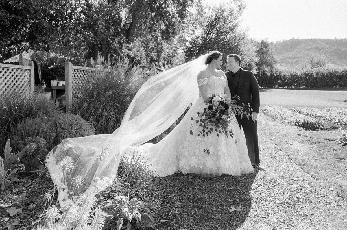 14-yountville-wedding-photographer.jpg