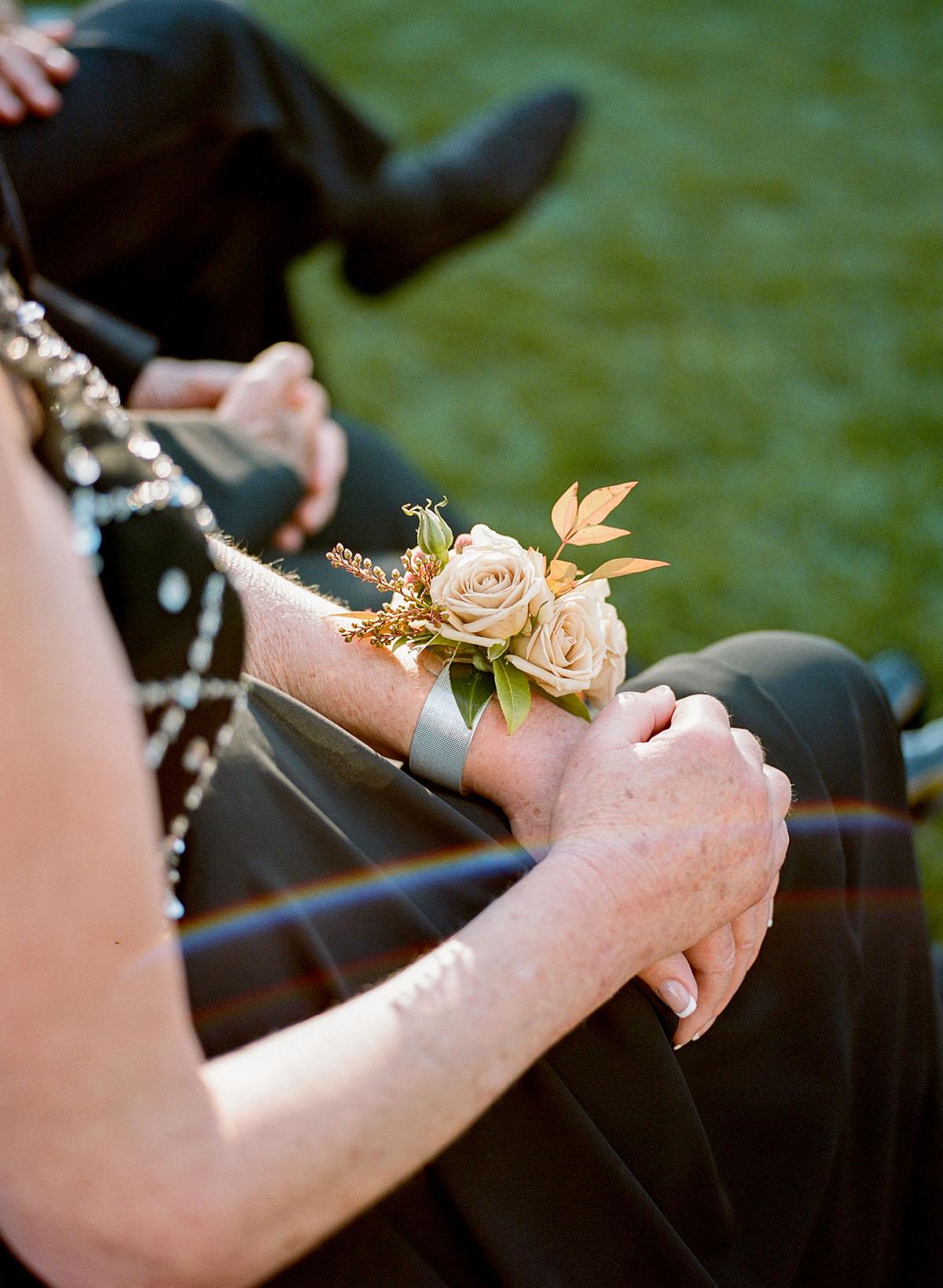 27-corsage-wedding.jpg