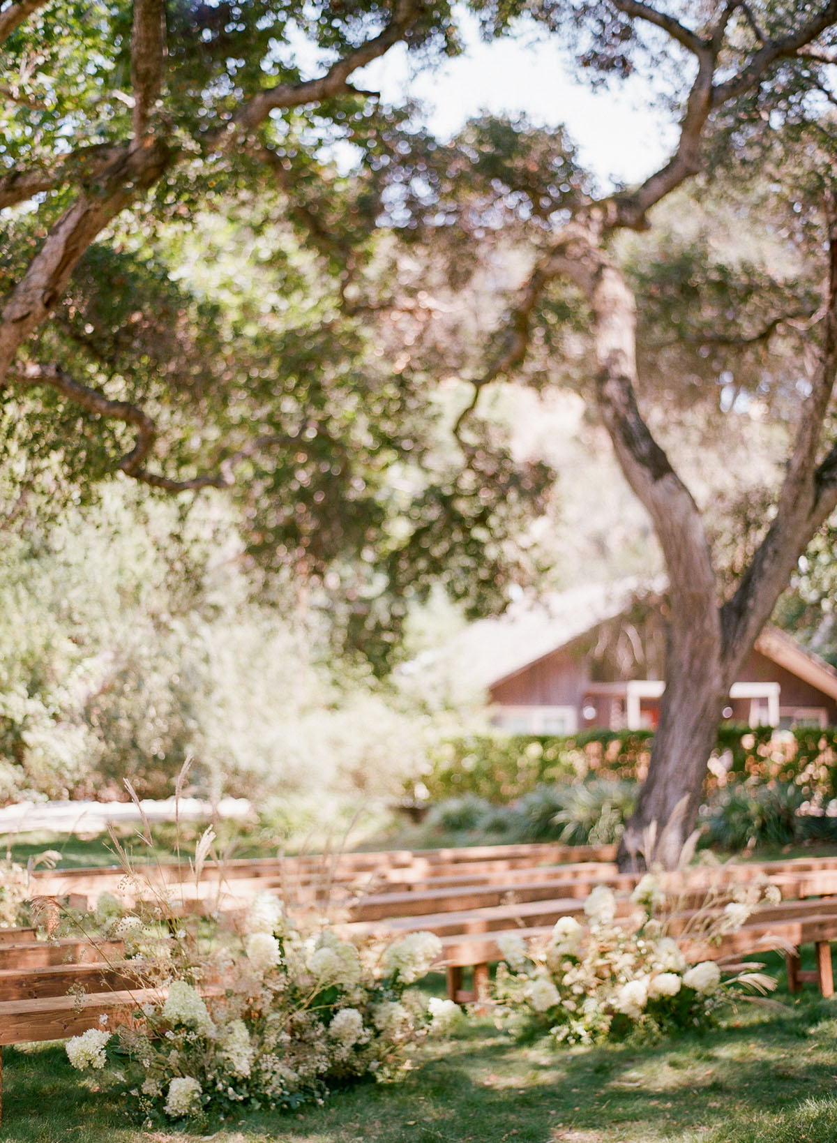 10-wedding-ceremony-benches.jpg