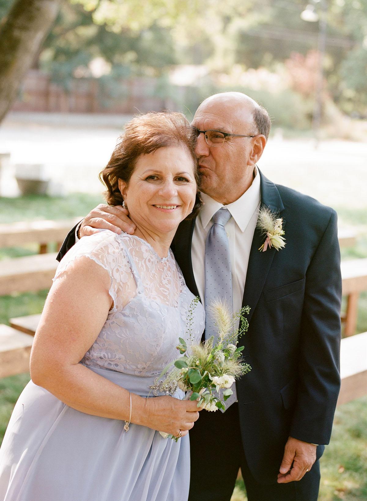 23-dad-kisses-mom.jpg