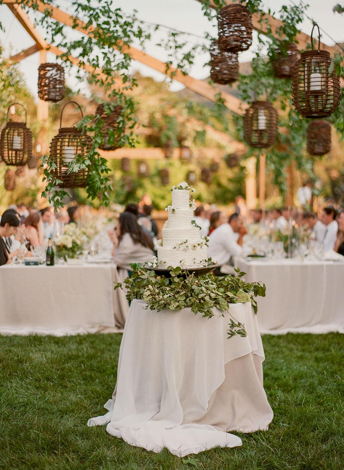 61-rustic-wedding-cake.jpg