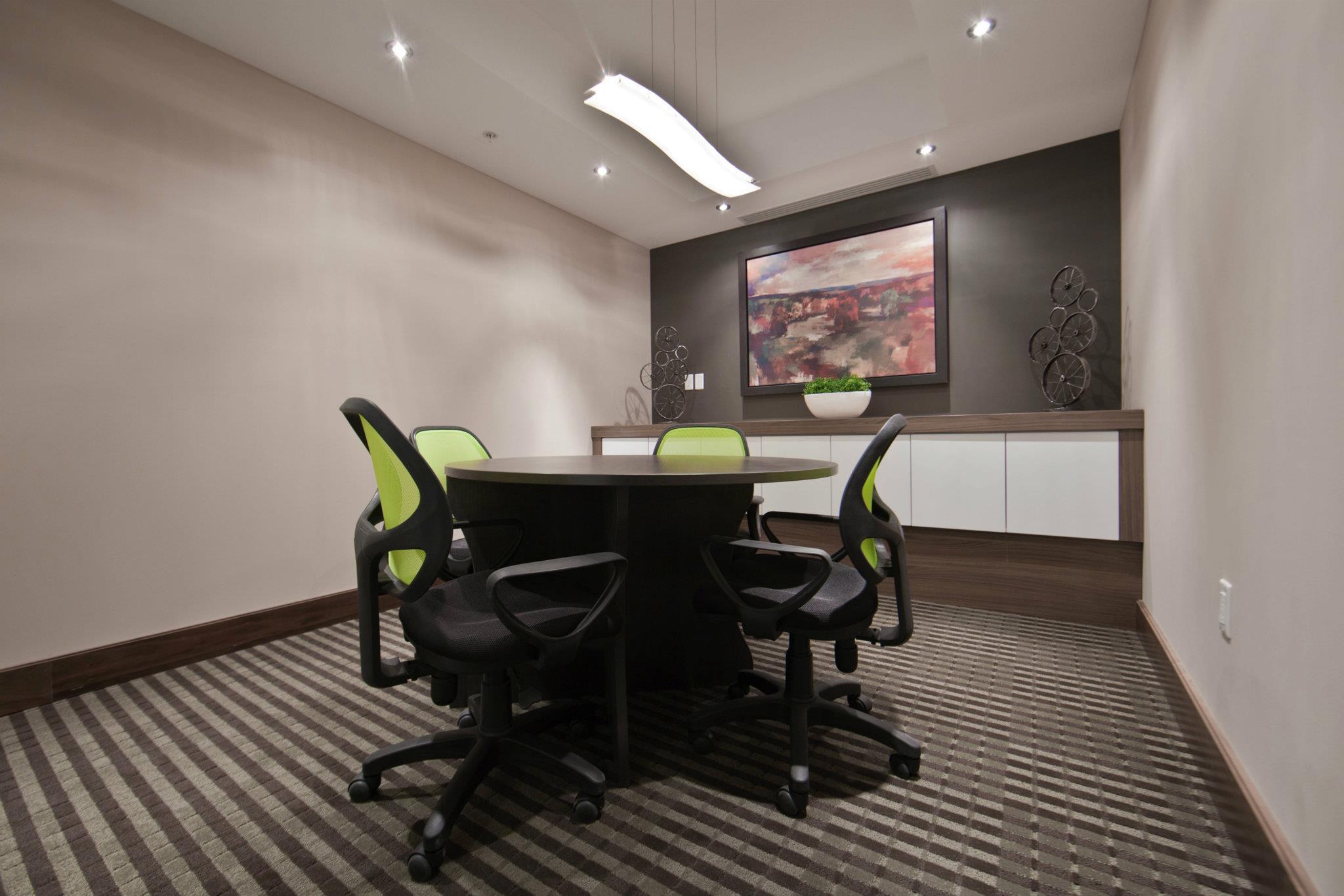 Amenity Space - Boardroom.jpg