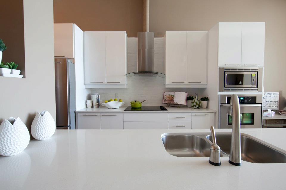 Suite Kitchen3.jpg