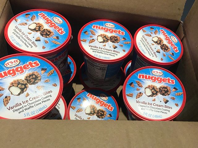 We're kicking off Friday Funday with ITS-IT nuggets! Our team's creativity took off when designing the packaging for this fun, new product! You can get these delicious vanilla ice cream bites at the ITS-IT factory. Also coming soon to stores near you!🍦❤️