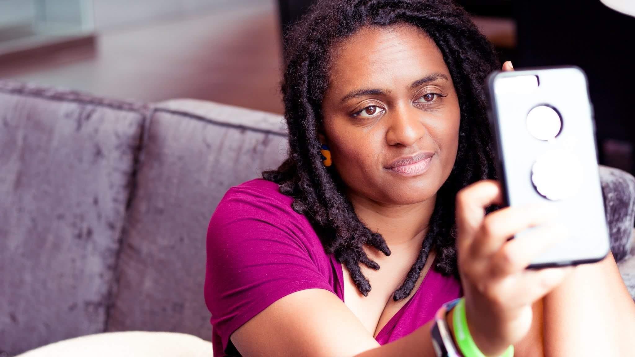 Blogger | creative photographer | mom | wife | empath … -