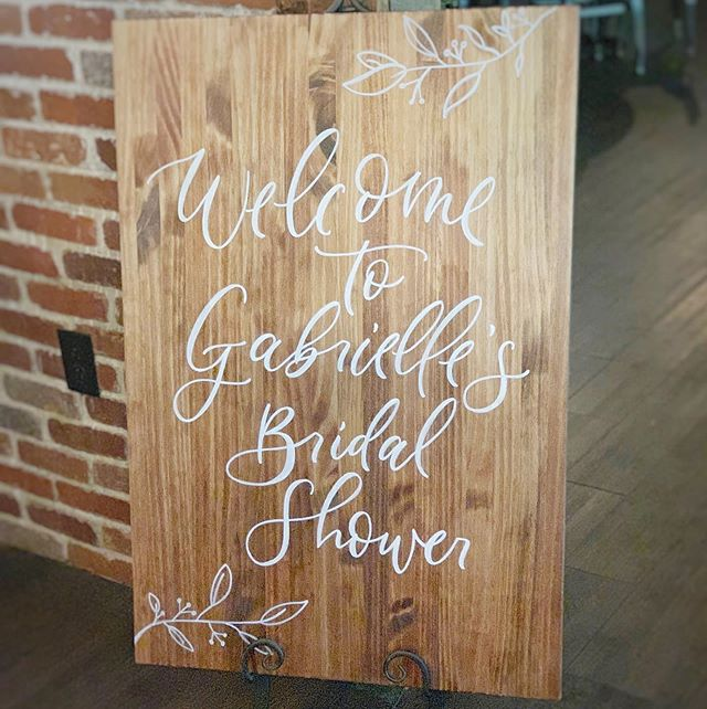 What a warm welcome for the bride and shower guests 💕