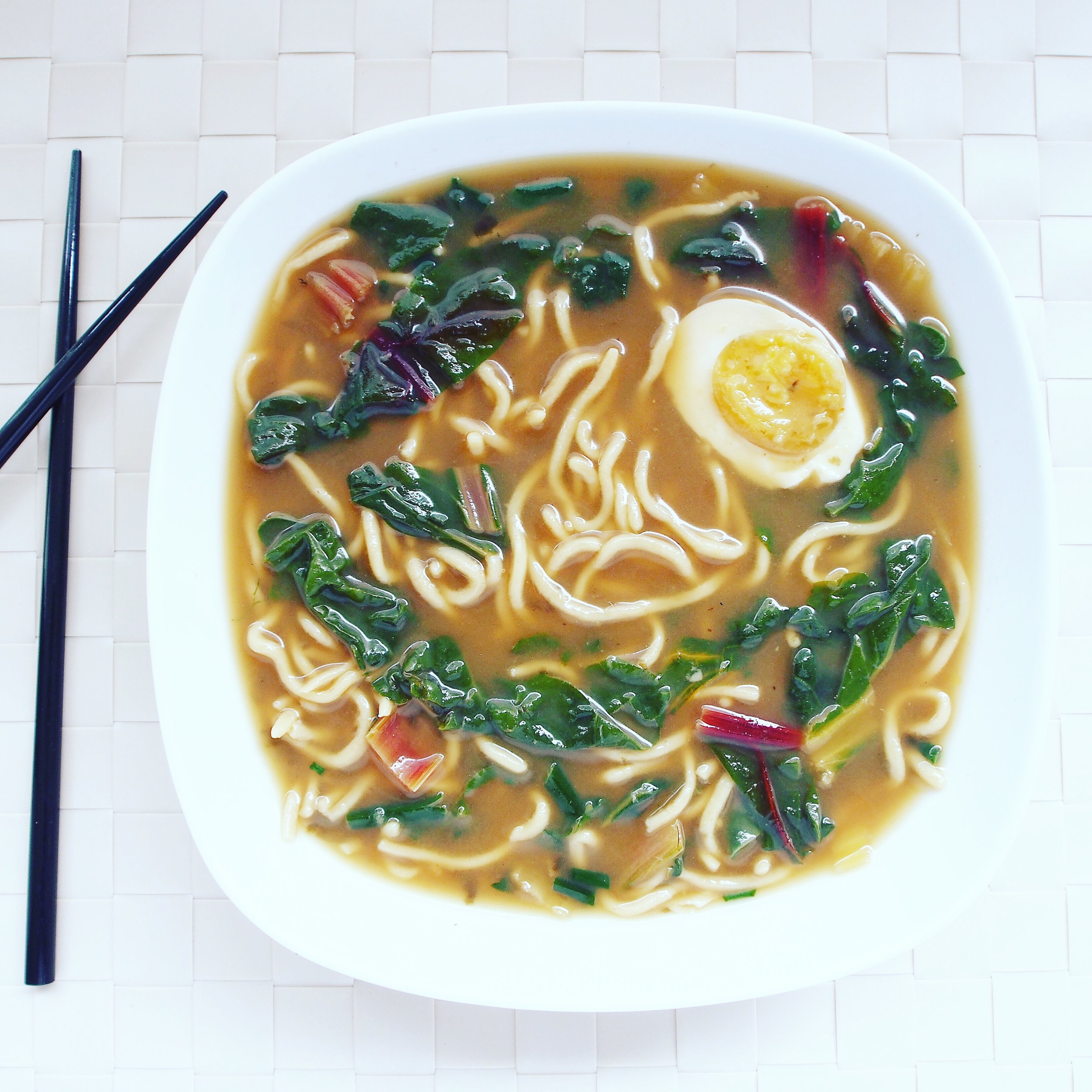 This easy ramen recipe is cooked with a Numo Bone Broth Kit and swiss chard and hard-boiled eggs.! Makes for a super healthy ramen recipe!