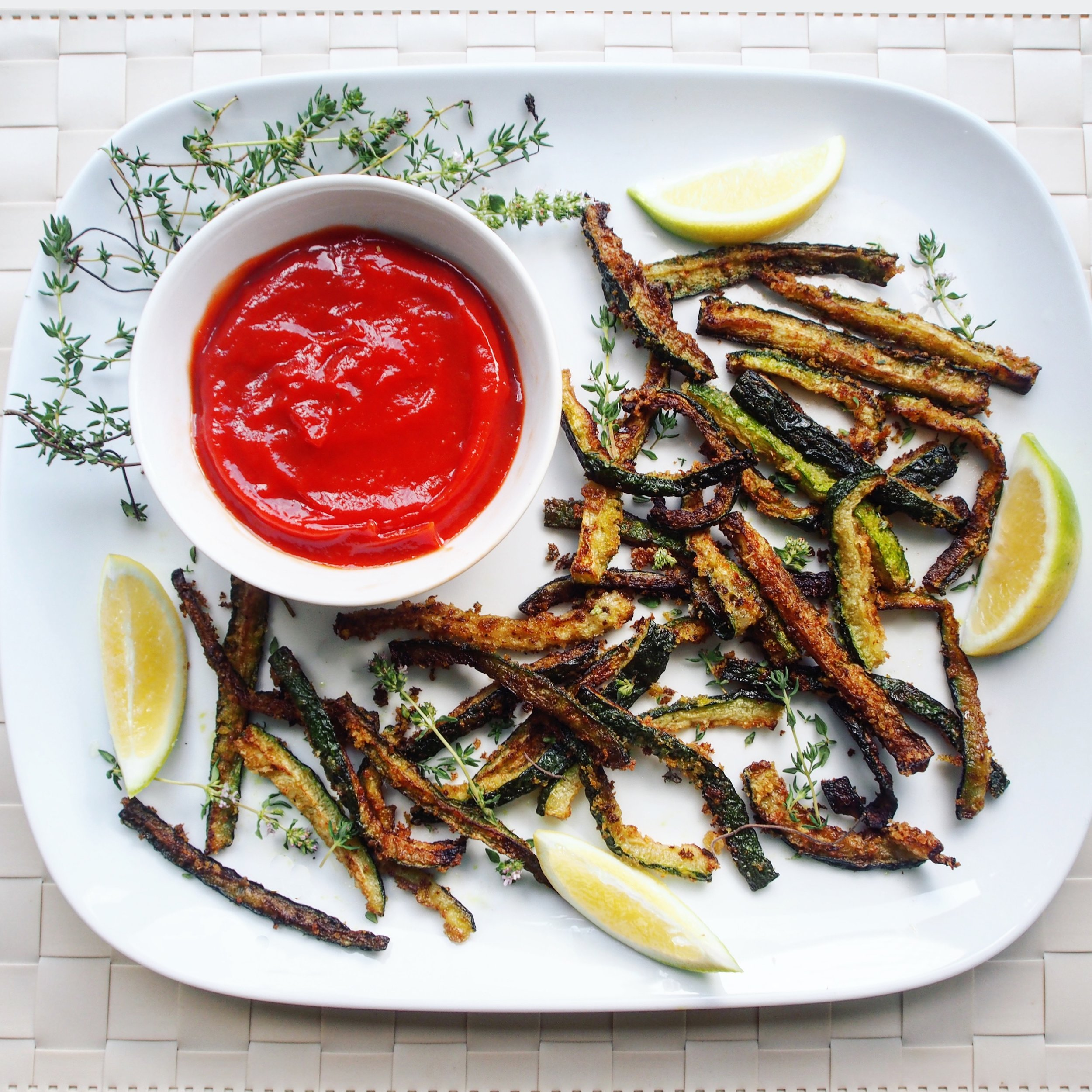 Deep fried zucchini fries with Hunt's Best Ever Ketchup. Great to accompany any summer barbecue for Memorial Day, 4th of July, orl abor day. Made with panko and thyme and lemon.