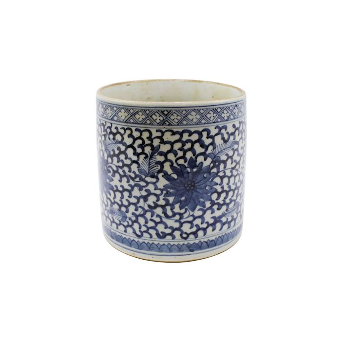 Brooke & Lou - Navy Floral Vineyard Pot, $96