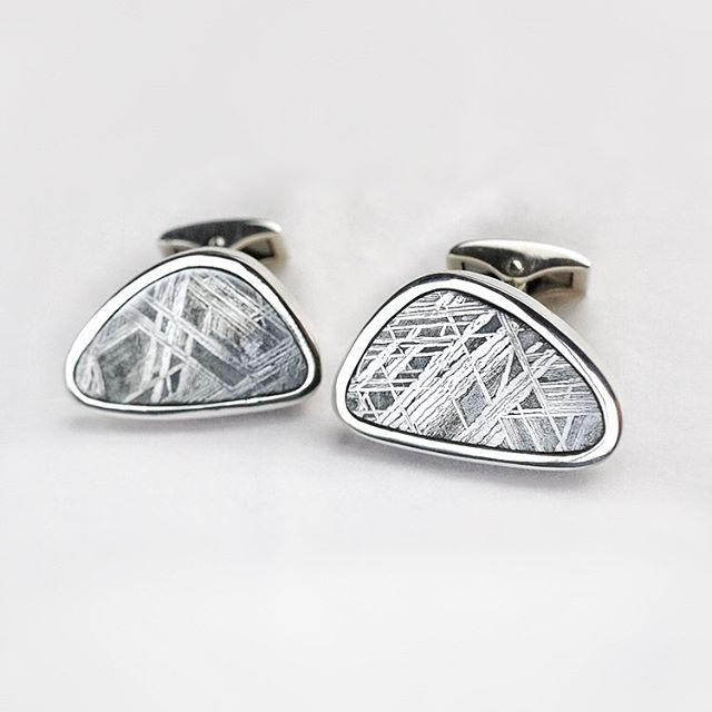 These are definitely my favourite cufflinks I have made this year. Meteorite and silver, the meteor is made of iron and nickel.⠀ The cufflinks were commissioned as a wedding anniversary gift from a wife to her husband for a sixth anniversary which is iron. I always like to create something with a story and I think that iron from a meteor from space is a pretty cool story.⠀ #meteor #meteoritejewellery #contemporarydesign #madeinireland #bespoke #cufflinks #ironanniversary #paulcoynejewllery #handmade #goldsmith #jewellerydesigner #metalsmith #silvercufflinks #mycreativebiz #thatsdarling #instasmithy #createmakeshare