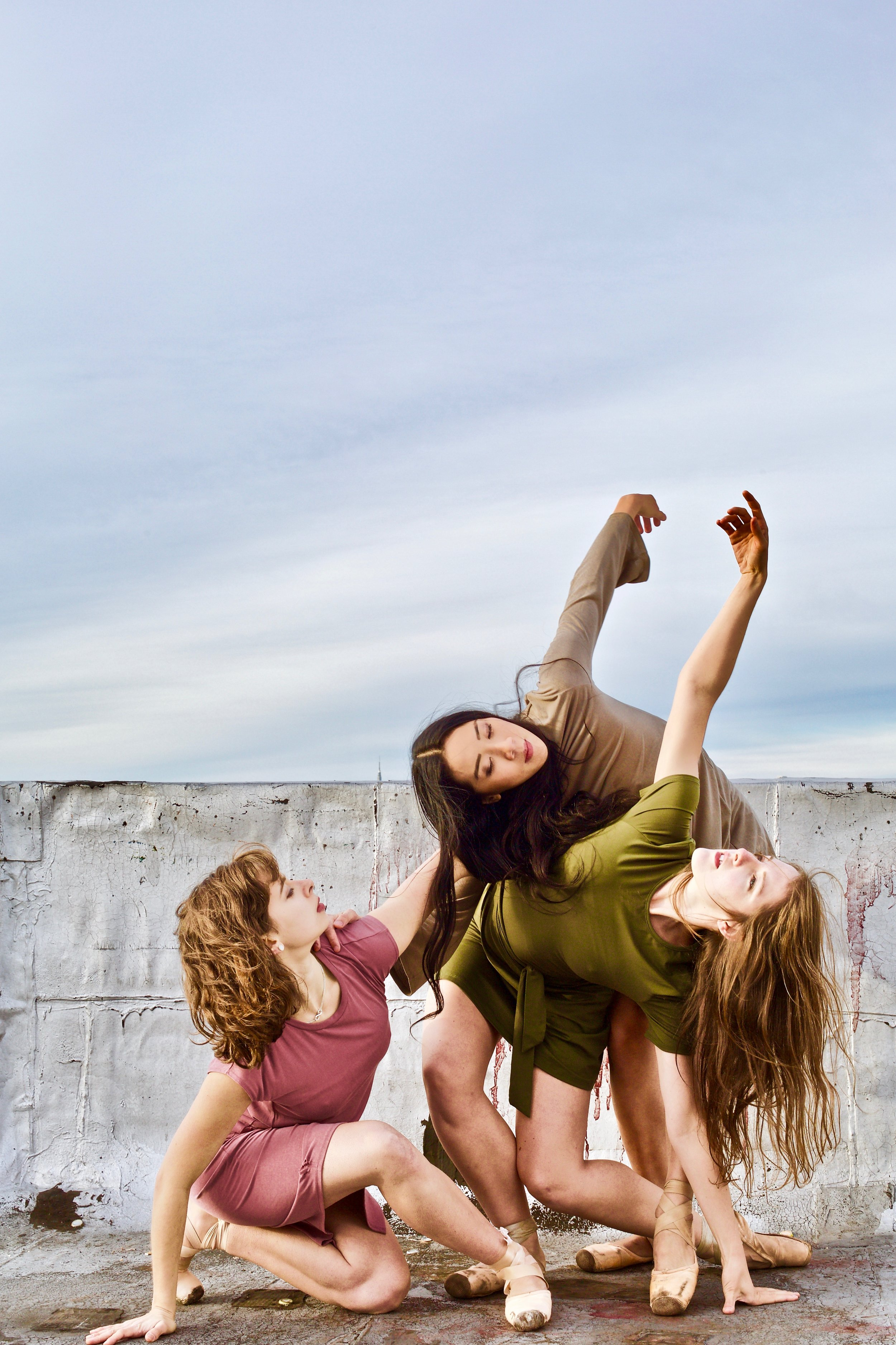 Jordan Miller, Tiffany Mangulabnan, Amy Saunder. Photo by Sergio Carrasco.