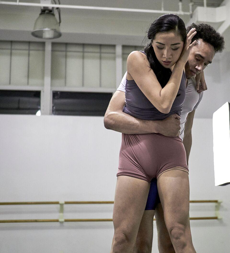 Tiffany Mangulabnan and Charles McCall in Caili Quan's 'Not So Cirrus'