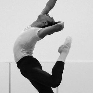 Charles trained at the Center of Creative Arts, as well as at Ballet Chicago, the School of American Ballet, and Pacific Northwest Ballet. He joined PNB in 2011 where he performed featured roles in works by Balanchine, Cerrudo, Dawson, Kylián, Stowell, Stromann, and Tharp. In 2016, he joined Royal New Zealand Ballet and performed with Missouri Ballet Theatre before returning to NYC to work with Sonia Dawkins, Emery LeCrone DANCE, and, most recently, konverjdans! Charles is also a classically trained bass baritone and has sung with the New Zealand based choir Inspirare and the St. Louis Symphony Orchestra.