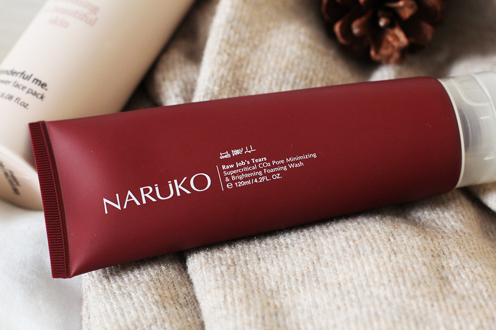 NARUKO FOAMING WASH - A dollop of this squeezes out like a thick and fluffy cottage cheese texture. It has a tiny bit of grit to it for a very light exfoliation. This was my intro to Taiwanese beauty brands and I'm impressed.