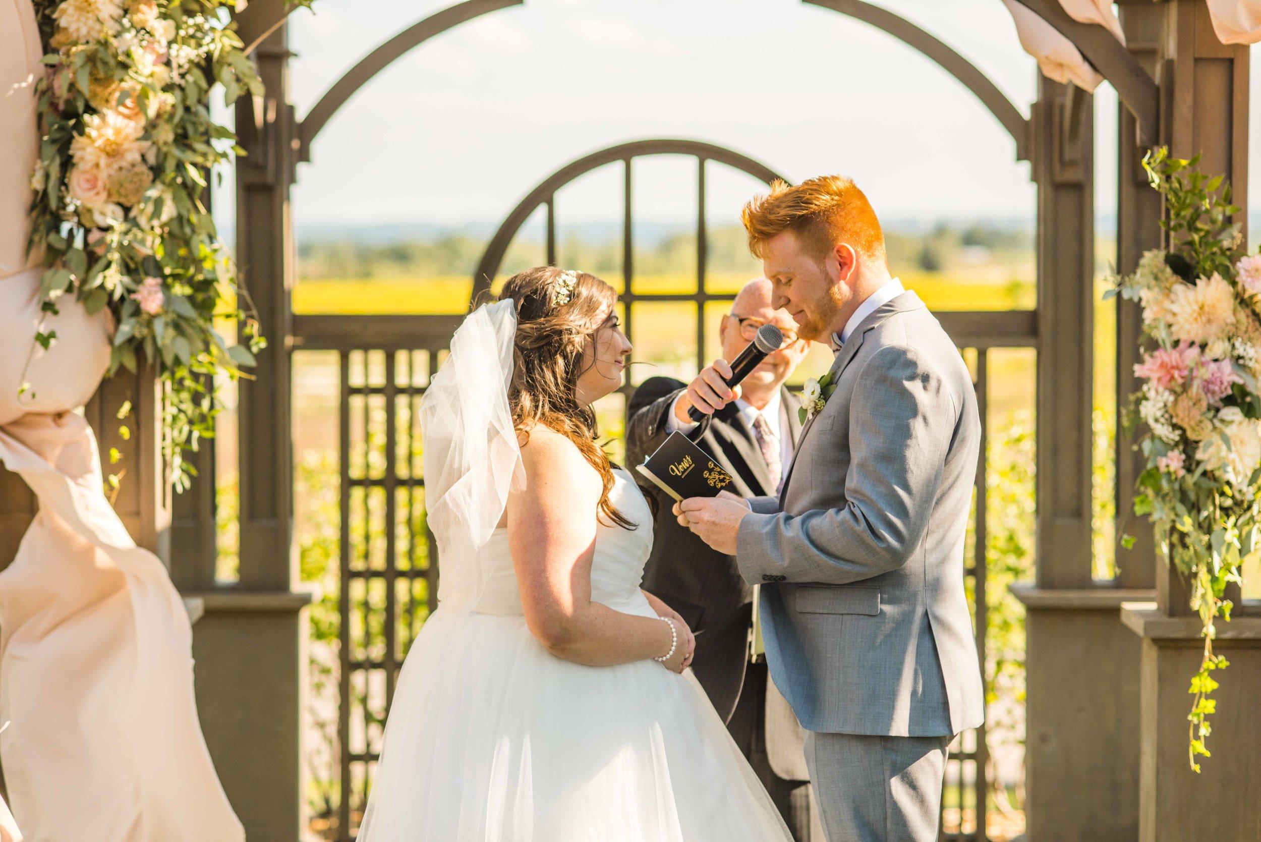 180831 JamesLaura_Wedding_Express-585.jpg